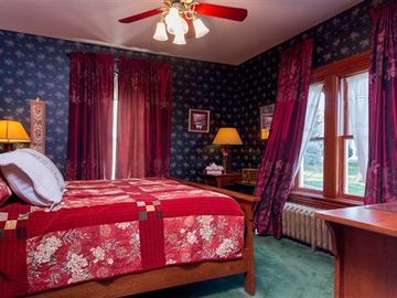 Bed & Breakfast: Montgomery Mansion Bed and Breakfast - Heather Suite