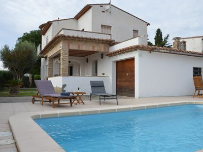 Photo for Beautiful Villa sleeps 10 with swimming pool in EMPURIABRAVA