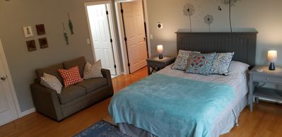 Main studio,  door to your private bathroom other door to bedroom with Single bed