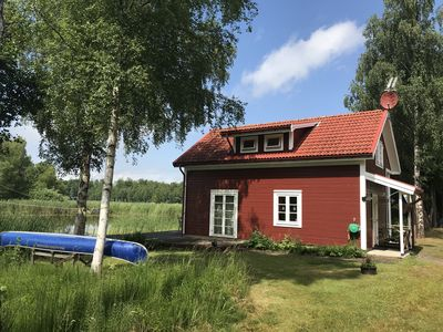 Photo for Lake house, 0 m to the lake