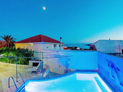 Photo for Spacious villa, private pool, 3 bedrooms and sea view