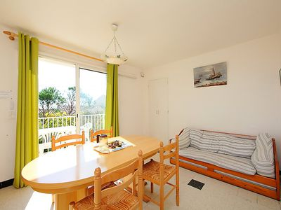 Photo for 2 bedroom Apartment, sleeps 4 in Saint-Pierre-sur-Mer with WiFi