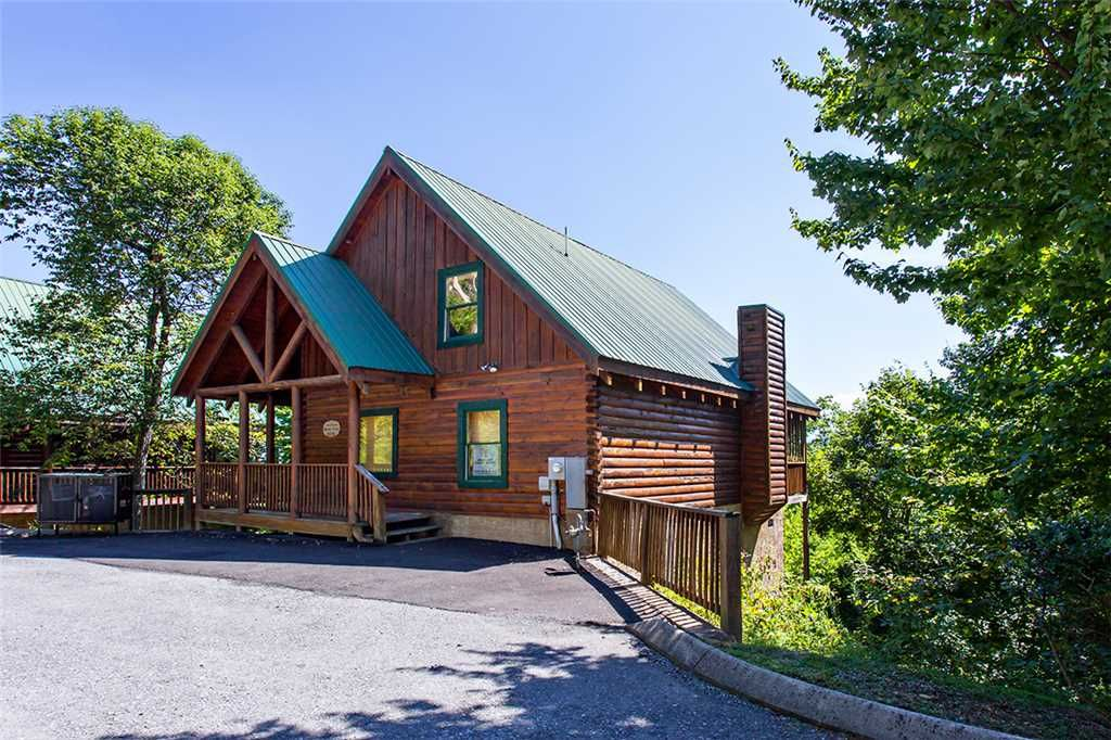 Beary cozy luxury cabin get away from it al homeaway for Cozy cabins rentals