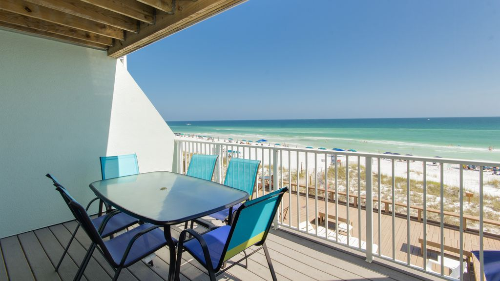 Direct gulf front to private beach 3 balconies pool for Balcony sunbathing