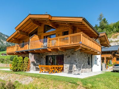 Photo for Spacious and luxurious holiday home with sauna, located between different skiing areas