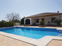 A great property with plenty of space. Very clean and fabulous pool. Diego was very welcoming.