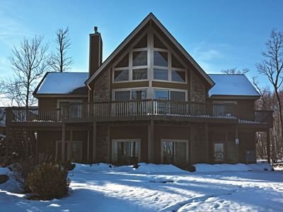 Chalet Loaded with Amenities in Ski In/Ski Out Location