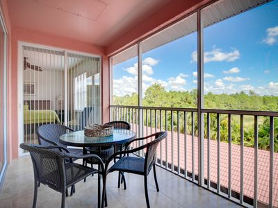 Photo for Beautiful Walk to Naples Florida Beach, Pet Friendly, Top Floor, Clean & Newer