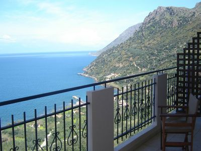 Photo for Seaview Studio, 3 pers. panoramic seaview in beautiful setting, west from Chania