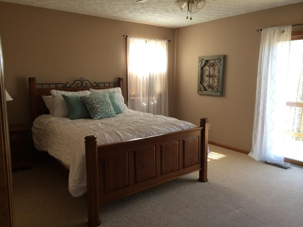 4 bedroom 4 bath book now only 1 fall weekend left for Beautiful bedroom pictures only