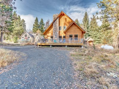 Photo for Quiet cabin w/ fireplace & large deck - 1 block to Payette Lake, near downtown!