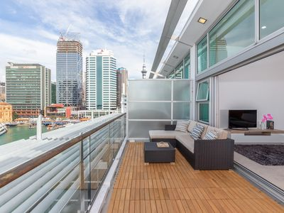 Photo for Penthouse apartment with stunning harbour views