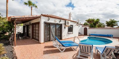 Photo for Traditional Canarian 2 bedroom Villa with Private Heated Pool