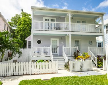 Positively Poolside - 2 Bedroom 2 1/2 Bath Townhome in Key West Golf Club