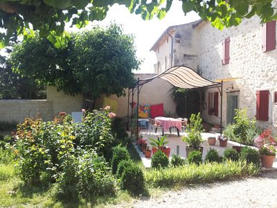 Photo for Le Mas de l'Amourié: a spacious, rural holiday cottage with pool in Drôme