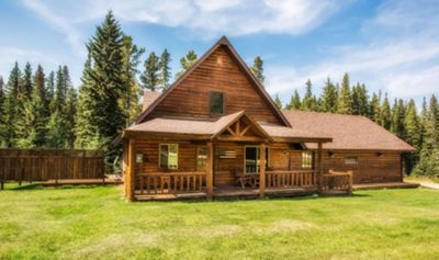 Creekside-Air Conditioned Cabin at Deer Mountain in the Black Hills