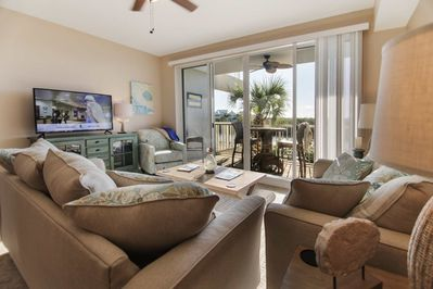 Stunning Living Room w/Canal View Balcony