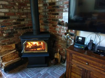 """Warm and Cozy Wood Stove. New 50"""" Samsung with Netflix Ready"""