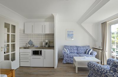 Photo for Beautiful, child-friendly apartment in Westerland with balcony and garden