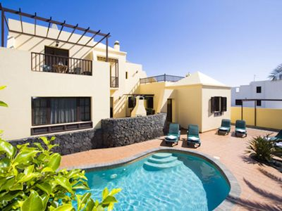 Photo for Delightful 4 bedroom villa, short walk to main beach in Costa Teguise