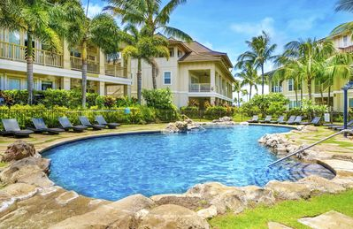 Photo for 3BR/3BA Villa, Central A/C, Resort Style Complex, 5 Minute Walk To Beach!