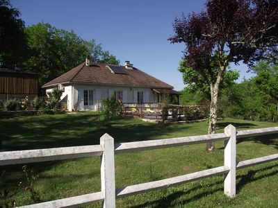 Photo for Villa with pool, 8 people, near the village of Saint-Amand, quiet