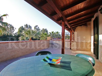 Photo for 4 bedrooms, 2 Baths, near the SEA, Terrace, Wi-Fi, Air Conditioning, Pool
