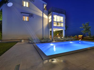 Photo for Charming Holiday House with pool