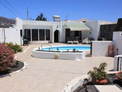 Photo for Peaceful villa with private pool, superb views, a few minutes from amenities