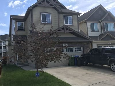 Photo for 4 Bedroom Family Home Close to Calgary Airport YYC
