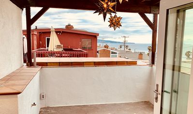 Large 150 SF covered/private 3rd floor deck.