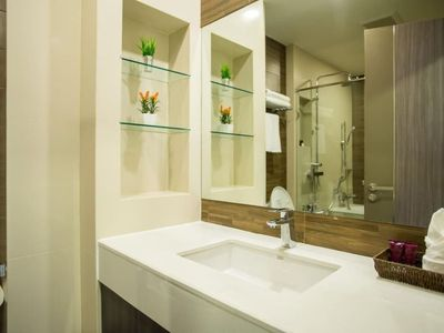 Photo for Modern Studio Apartment, Soi 39 Sukhumvit