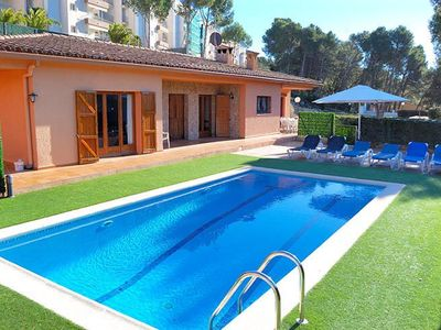 Photo for Holiday rental villa with swimming pool in Tamariu