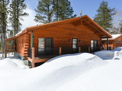 Whitetail-Spacious Terry Peak Cabin near Outdoor Recreation and Attractions