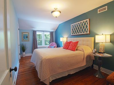 Rest easy in the master bedroom. (Queen sized bed).