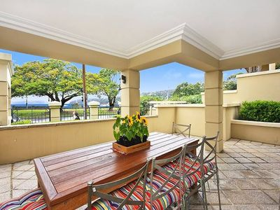 Photo for Balmoral's Best Beachfront Apartment