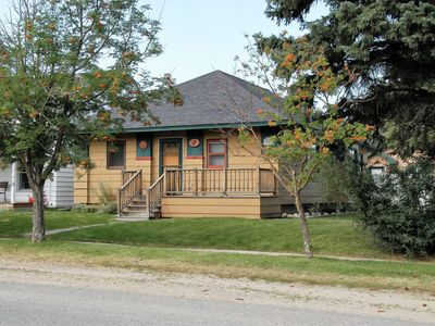 Photo for Welcome adventurers this home is welcoming to all.  WiFi, dog friendly, hot tub and close to downtow