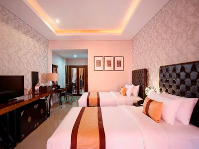 Photo for Comfortable bed, great location in central Seminyak