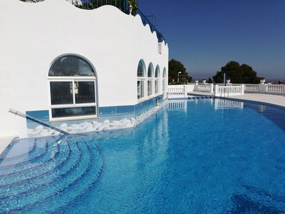 Photo for BEAUTIFUL APT SEA VIEW WITH SWIMMING POOL (26)