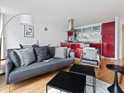 Photo for Bright 2bed Apt. near Primrose Hill, 2min to Stn