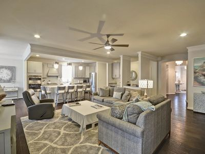 Photo for Exquisitely decorated 5 bedroom with all the bells and whistles