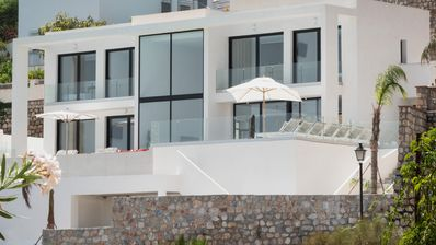 Photo for Luxury designer villa with 6 bedrooms and 6 ensuite bathrooms