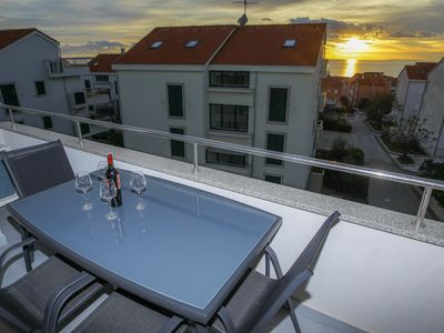 Photo for Deluxe Two-bedroom Apartment-Balcony and Sea View