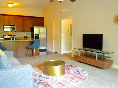 Photo for Stylish and Chic Fully Furnished 1 Bed 1 Bath Condo in Midtown Nashville