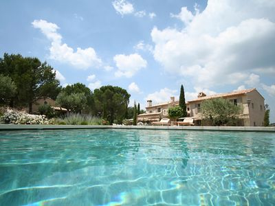 Photo for Sublime Mas Piscine Chauffée tennis - Villa for 14 people in Eygalières