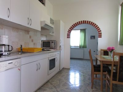 Photo for Apartment in the center of Valica with Air conditioning, Parking, Garden, Balcony (576419)