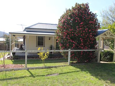 Photo for Healesville Cottage - just a short walk to the centre of town