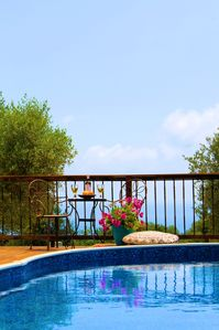 Photo for Three bedrooms, three bathrooms, pool, peaceful location, lovely views.