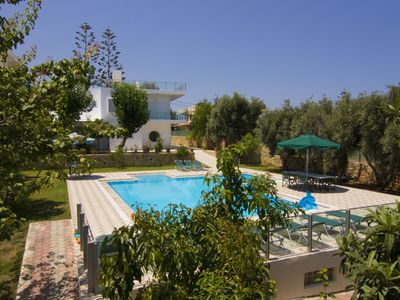 Photo for Luxury Family Villa / steps from seaside & village, private pool and garden, BBC
