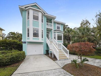 Photo for 4BR, Private Pool, Easy Walk to Beach: Under New Management!